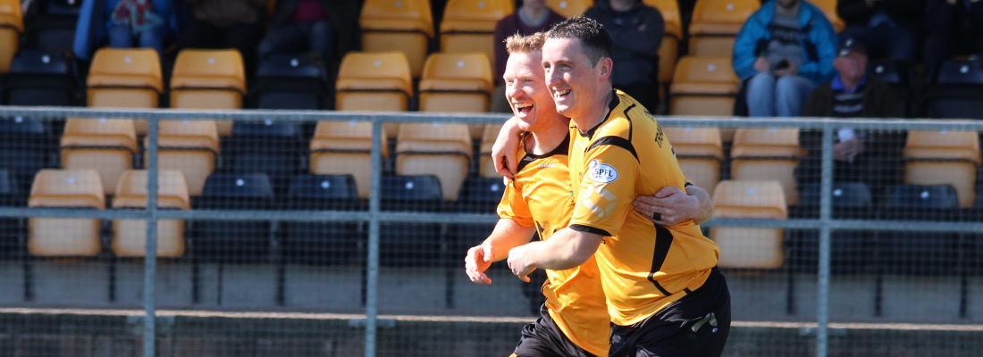 Steven Sloan, Ryan McStay, Celebrate, East Fife. Banner, 18.04.2015